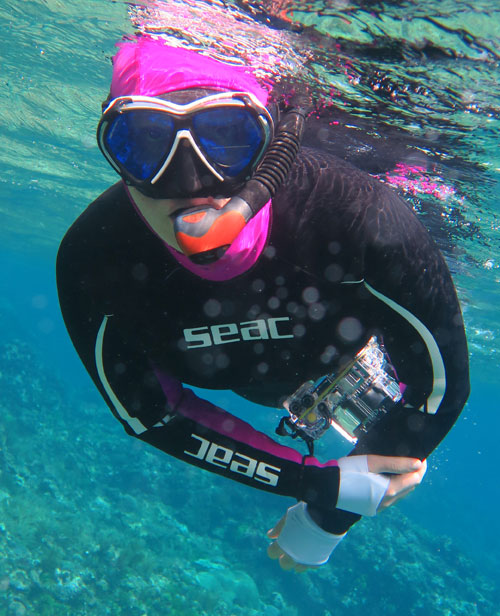 Nicole testing out the TUSA Platina Hypderdry II Snorkel. Our overall favorite snorkel for most people.