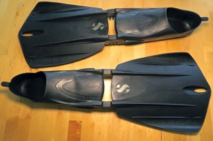 These are the snorkeling fins we currently use - the ScubaPro Seawing Nova Full Foot Fins.