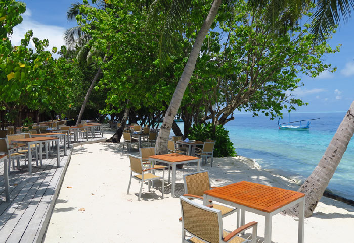 Outdoor seating option at one of Vilamendhoo buffet restaurants.