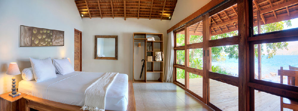 Alami Alor's air conditioned rooms look directly onto the waterfront.