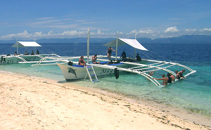 Unlimited boat snorkeling is included at Magic Island Resort.